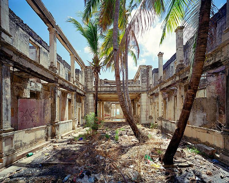 Hotel-de-la-marine-facade-Diego-Suarez-Madagascar-web.jpg